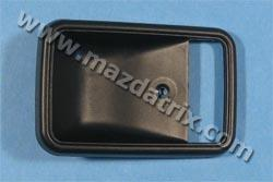 79-85 Inner handle cover